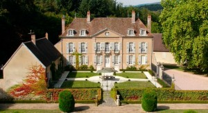 Luxury chateau accommodation in Burgundy