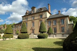 chateau bed and breakfast accommodation near Fontainebleau S Paris