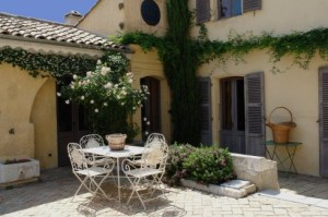 Quality bed and breakfast accommodation between Nice and Cannes