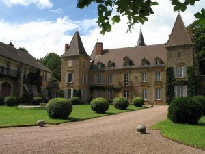 Self-catering holiday accommodation in Burgundy France