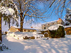 Bed and breakfast near Clermont Ferrand and Super Besse ski resort, Auvergne