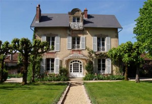 Travel in France and stay at a stopover B&B